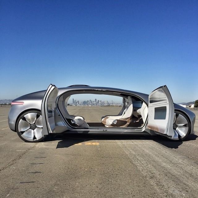 صور سيارات مرسيدس 2018 على منتديات مخابئ