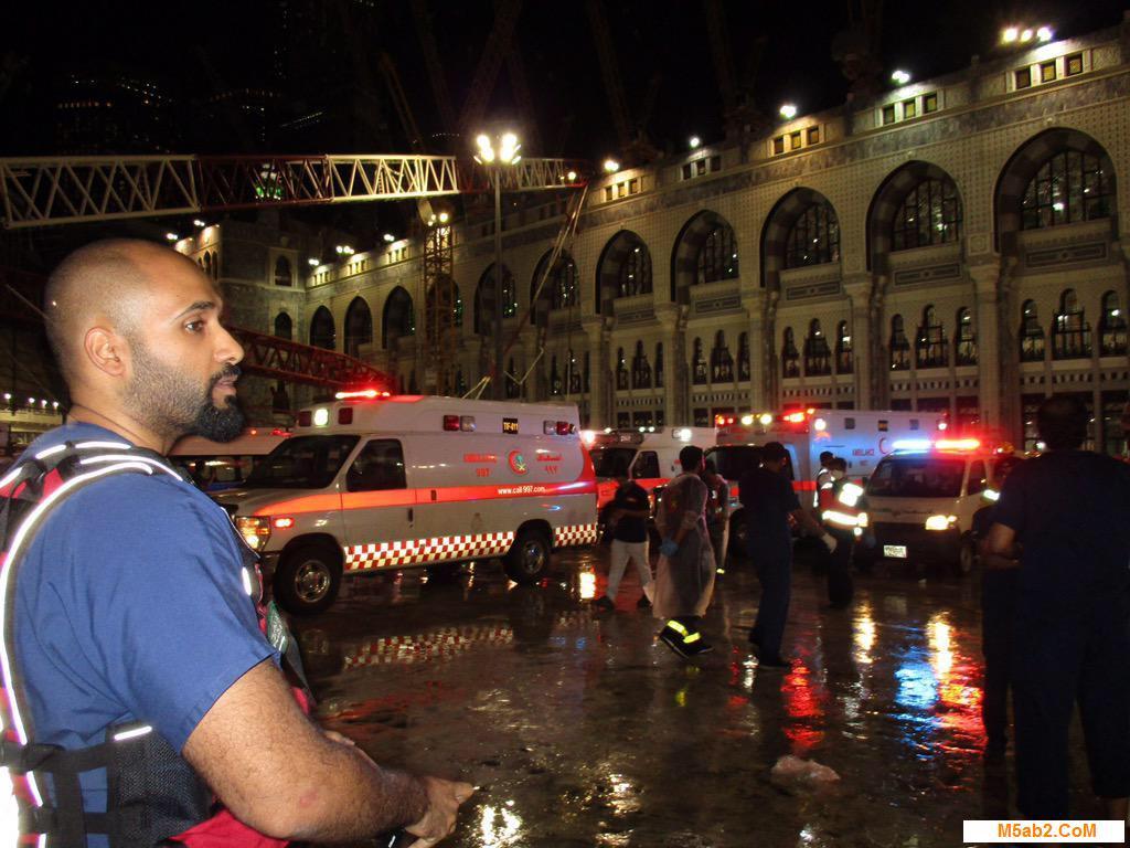 صور حادث سقوط إحدى الرافعات بالحرم المكي - اسباب سقوط الرافعة داخل الحرم المكي